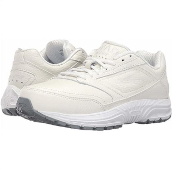 Brooks Dyad Walker Leather Women Shoes